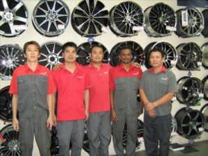stamford-tyres-megamarts-tampines_ta-staff-486x364